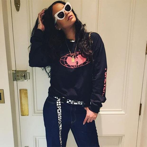 Rihanna é uma das adeptas do moletom no look (Foto: Instagram)